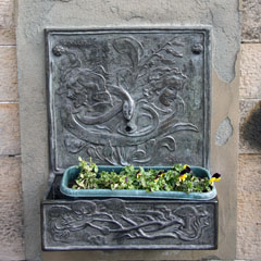 Nineteenth-century drinking fountain on the site of the old Edinburgh cistern.