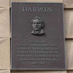 Plaque marking the site of Darwin's lodgings.