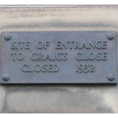 Craig's Close plaque.