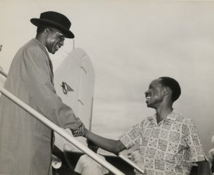 Hastings Banda (left) and Julius Nyerere (right).